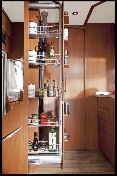 Smart apotekerskap på kjøkkenet