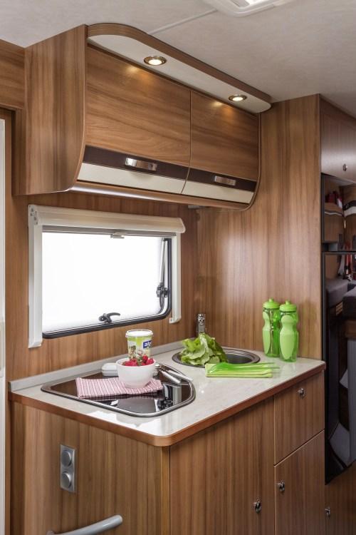 Kompakt kjøkken i bobilmodellen TI 650ME
