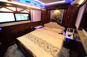 Plus_grand_camping_car_Chine_03