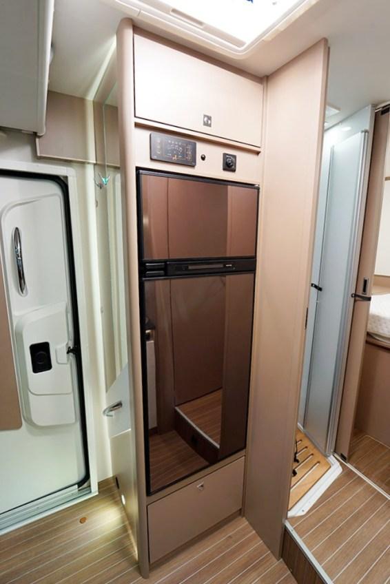 Avec son volume de 167 l, le frigo garantit une vraie autonomie en ce qui concerne les produits frais.