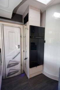 Comme tous les profilés avec maxi-salon, les 620 et 650 disposent d'une porte cellule XL.