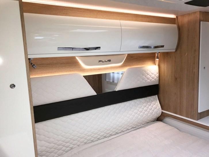 Zefiro Plus 267 TL. Tête de lit matelassée et rétro-éclairée.