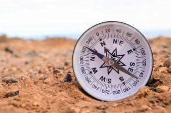 Hiking in the desert 2