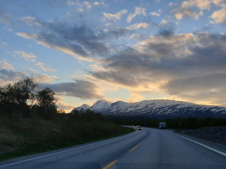 Driving during the midnight sun Norway