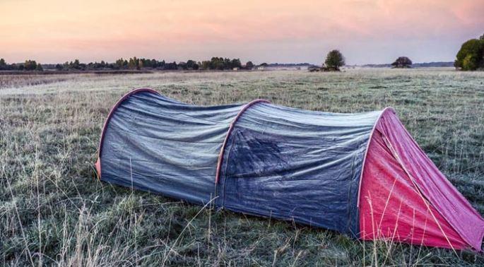 Frosty-Tent (Shutterstock, wwwarjag)