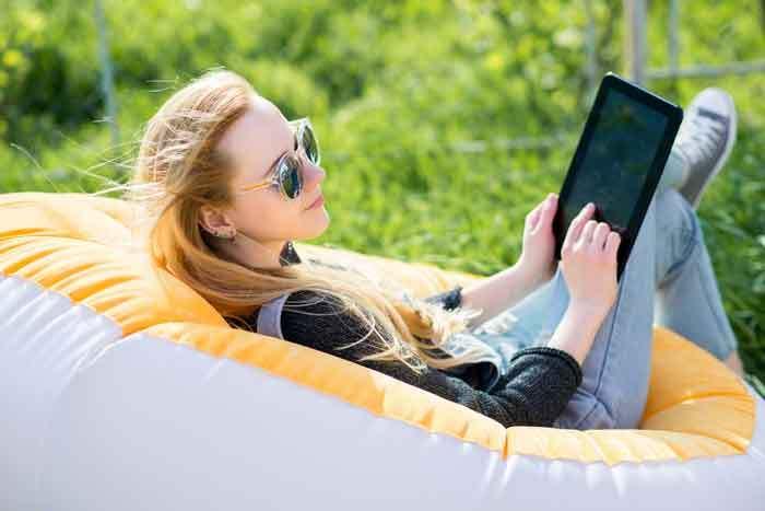 Inflatable Lounger (Shutterstock, Bolyuk Rostyslav)