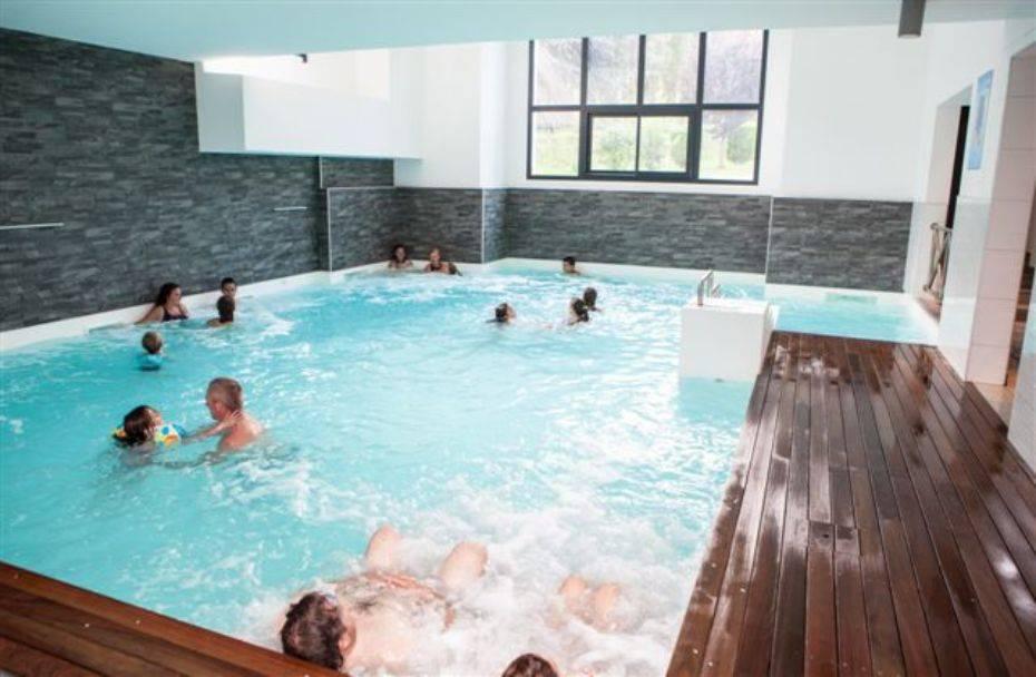 Camping en los Altos Pirineos con piscina climatizada  Luz Saint Sauveur