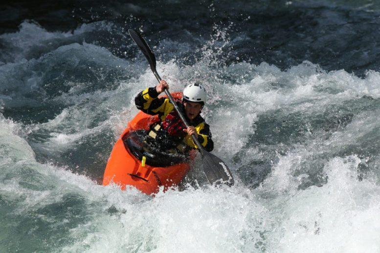 4411b005_ef300_f2-8l_ii_is_usm_sample_cinc_kayak2128-min