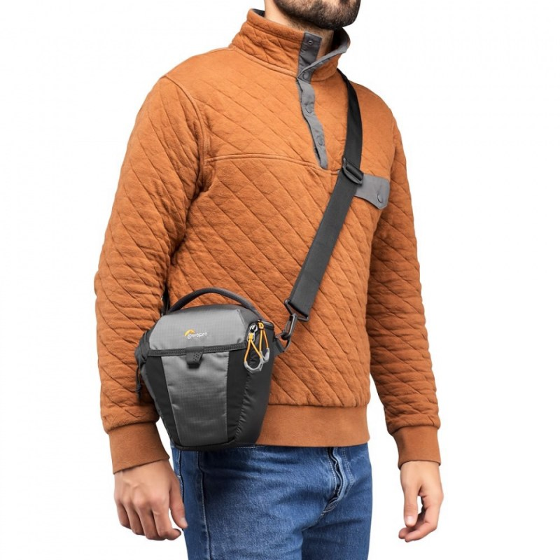 camera holster lowepro photo active tlz lp37345 pww inuse01