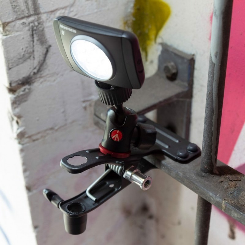 lighting clamps and arms manfrotto cold shoe spring clamp 175f 2 in action 09