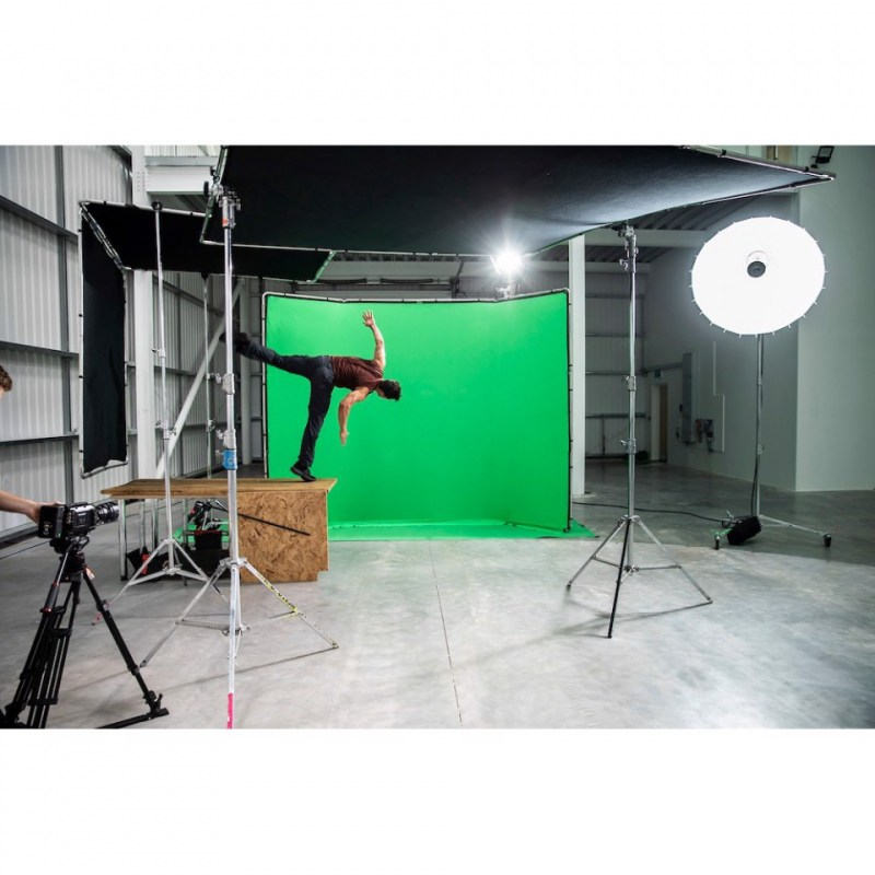 chroma key fx manfrotto 4x2 9m background in action 21 1