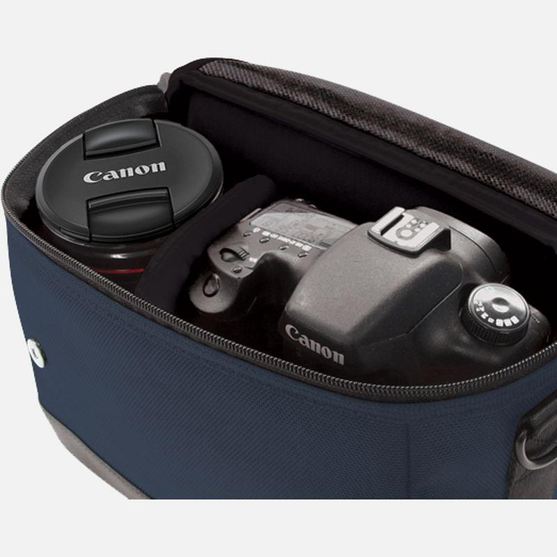 1352c002 txtle shldr cam bag sb100 bl 03