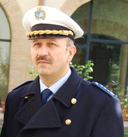 Marsala, intimidazione al capo dei vigili, trovata una pistola giocattolo davanti casa – solidarietà del sindaco