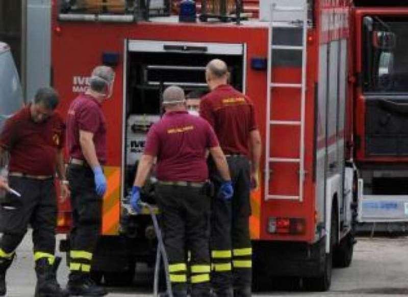 Vigili-del-fuoco-ambulanza2