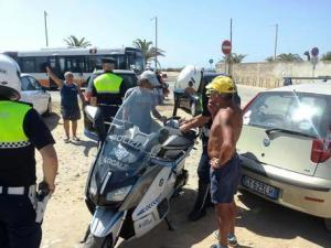 Parcheggiatori abusivi su litorale Cagliari