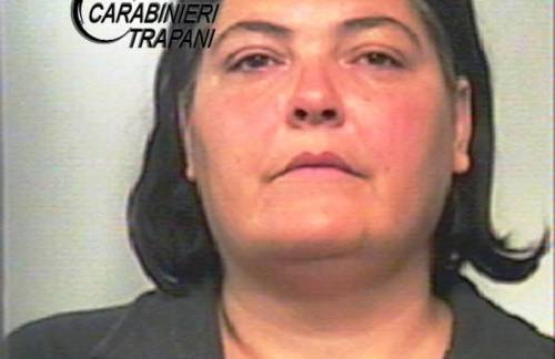 [Cc] Salemi, arrestata una donna: reagisce violentemente al sequestro del mezzo aggredendo i carabinieri