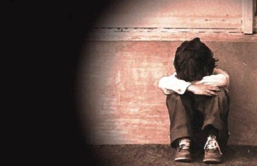 Punizione choc, genitori lasciano il figlio di sei anni 15 ore sul balcone, è in fin di vita