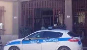 Campobello. Fratellini in vacanza, si smarriscono a Tre Fontane: Riconsegnati ai familiari dalla Polizia Municipale