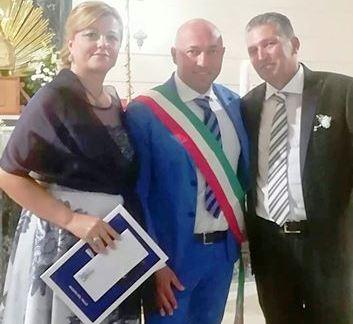 MAZARA. NOZZE D'ARGENTO PER I CONIUGI GIACALONE FERRO