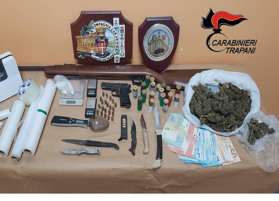 Campobello. Due arresti ed una denuncia per armi e droga