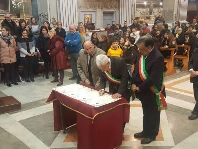 Nino Accardo - Leoluca Orlando firmano gemellaggio principe Palagonia