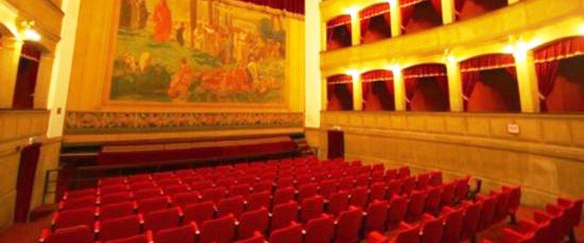 Castelvetrano. Struttura con luci di scena cade sul palco, tre studenti feriti
