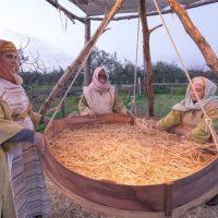 """Bene la prima al """"Villaggio di Betlemme"""" tra antichi mestieri e cibo povero [Foto & Video]"""