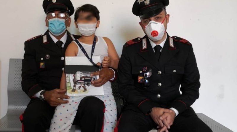 Tempestivo massaggio cardiaco: carabinieri salvano un bimbo di sei anni