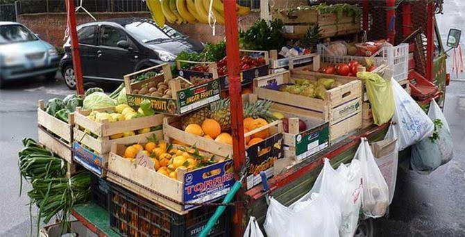 Catania: Polizia Locale: sequestri, denunzie e sanzioni contro venditori abusivi
