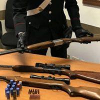 Nasconde arsenale in casa, blitz dei carabinieri: arrestato