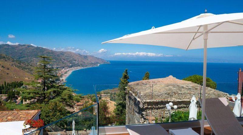 Non versavano tassa soggiorno, indagati albergatori Taormina: Accusa di peculato