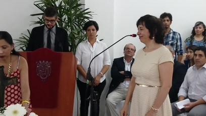 mujer jurando