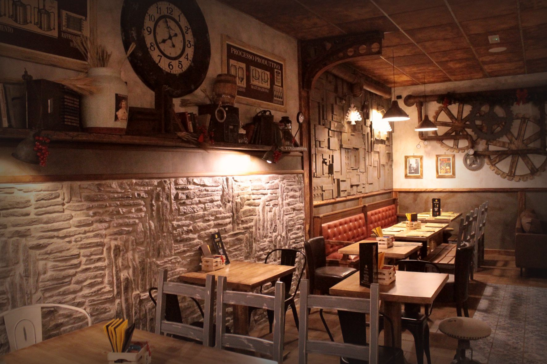 Industrial  Arredamento per pub realizzazione di locali in stile