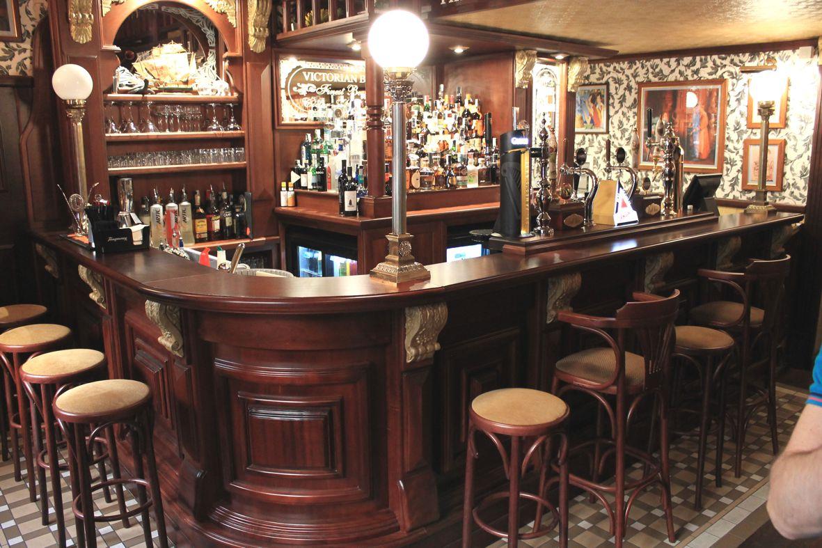 Vittoriano  Arredamento per pub realizzazione di locali in stile