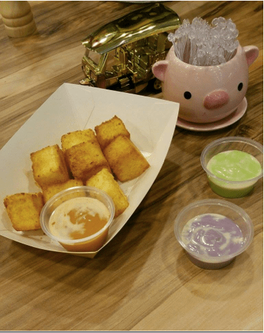Golden Toast with Thai Tea, Taro or Pandan kaya dip - $3.80