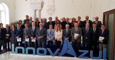 La presidenta de la Junta de Andalucía presenta InnovAzul 2018
