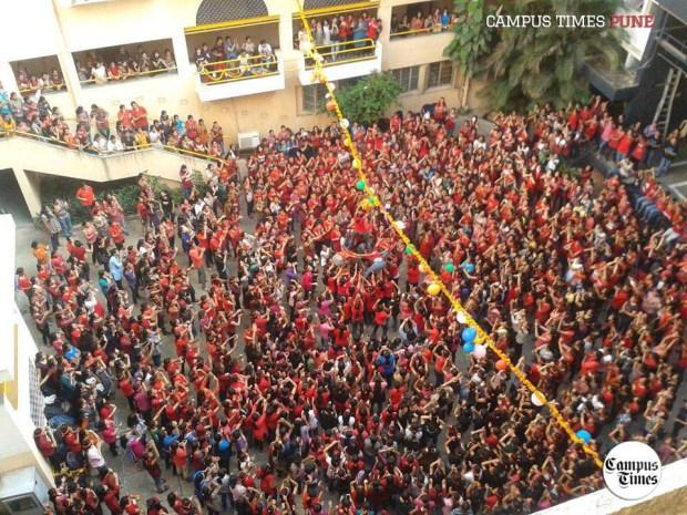 Dahi-Handi-Celebrations-at-Cummins-College-of-Engineering