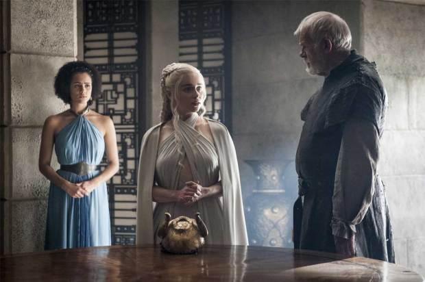 Daenerys-with-Ser-Barristan-Selmy-in-Mereen-Season-5