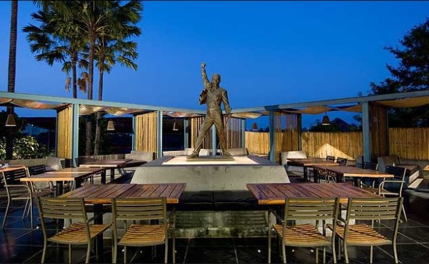 hard rock cafe koregaon park pune places to hangout