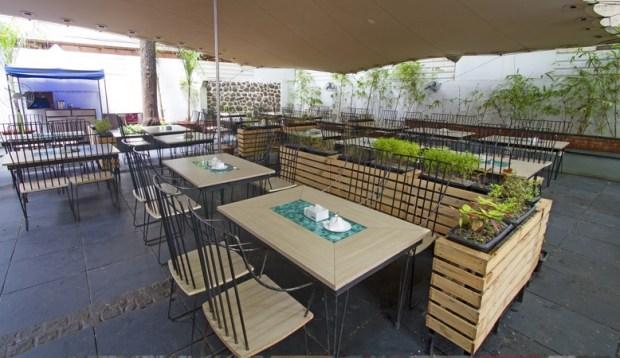 prem's restaurant koregaon park places to hangout pune
