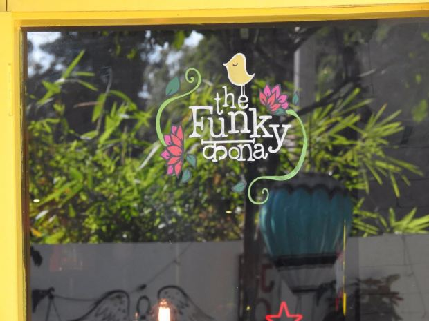 the funky kona baner places to hangout pune
