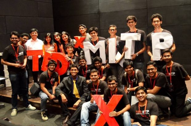 Students_at_TEDxMITP