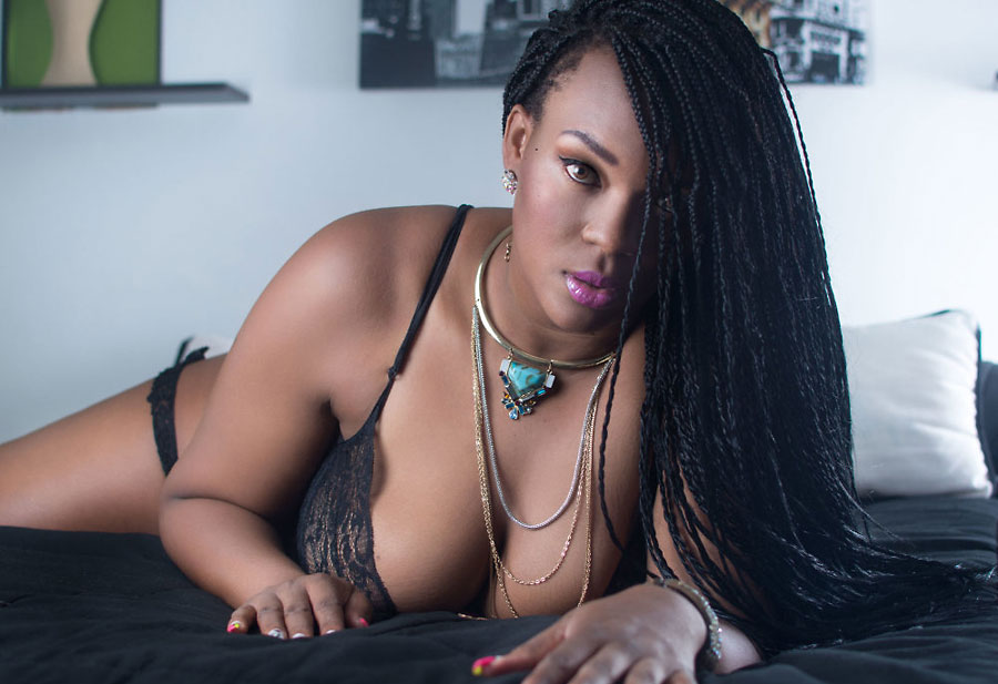voluptuous ebony camgirl rossewilling