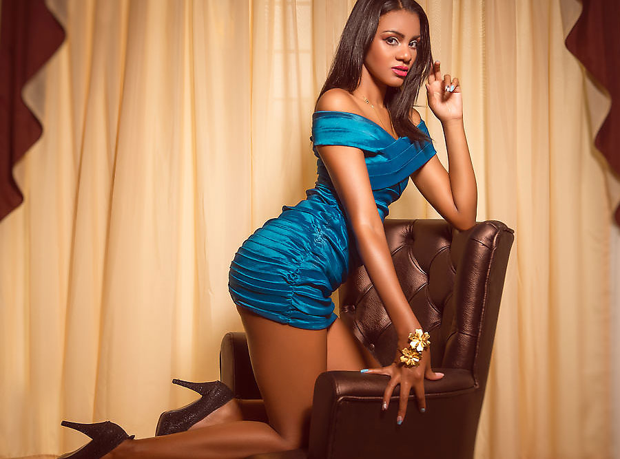 ebony cam seductress heidywil