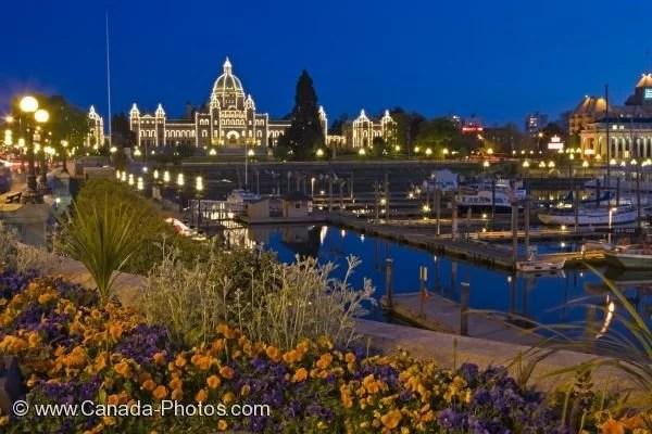 Beautiful Niagara Falls Wallpaper Parliament Building Victoria Harbor Twilight Photo Photo