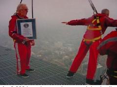 Edgewalk Guinness World Record © Lucy Izon