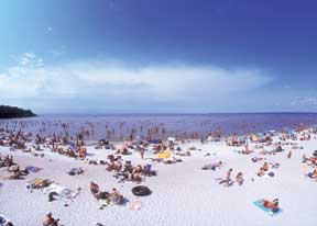 Grand Beach, Lake Winnipeg, Manitoba - photo Travel Manitoba