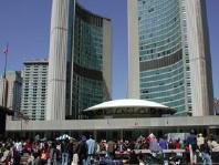 Toronto City Hall © Lucy Izon