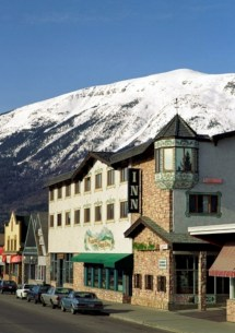 Whistler' Inn - Jasper Canadian Affair