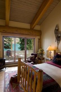 Moraine Lake Lodge - Louise Canadian Affair